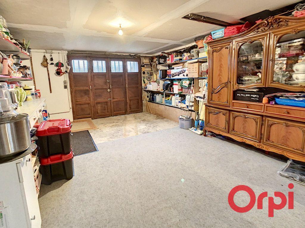 Maison à vendre 5 107m2 à Vendat vignette-9