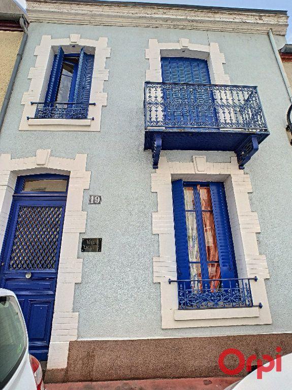 Maison à vendre 6 123m2 à Vichy vignette-1