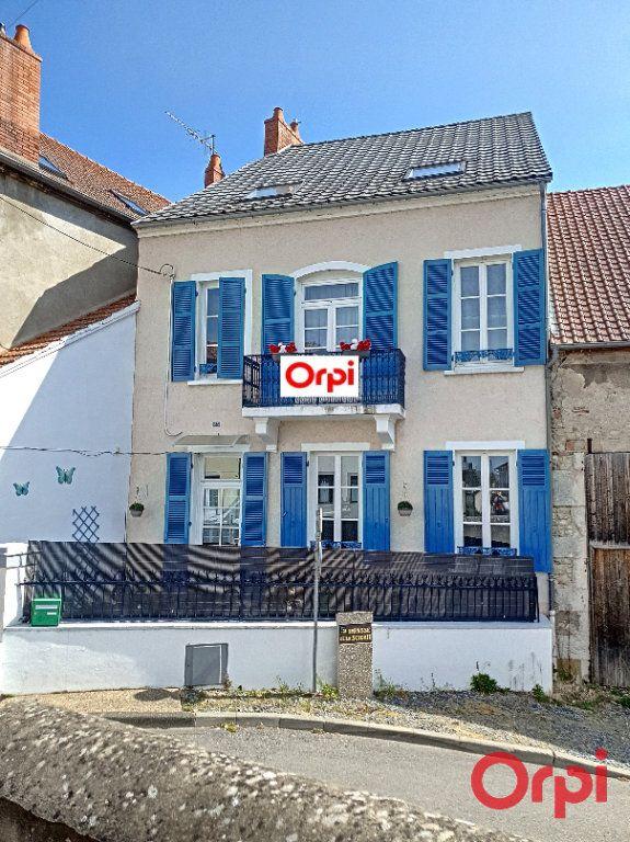Maison à vendre 6 140m2 à Saint-Germain-des-Fossés vignette-1