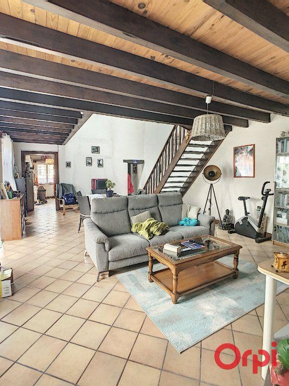 Maison à vendre 5 130m2 à Saint-Quintin-sur-Sioule vignette-4