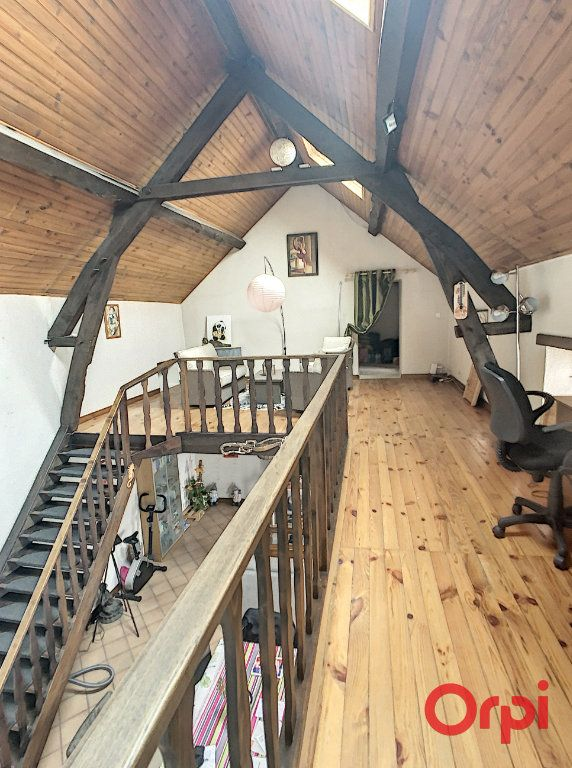 Maison à vendre 5 130m2 à Saint-Quintin-sur-Sioule vignette-5