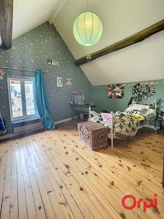 Maison à vendre 5 130m2 à Saint-Quintin-sur-Sioule vignette-6