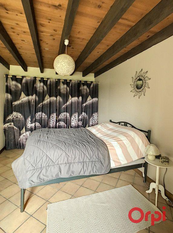 Maison à vendre 5 130m2 à Saint-Quintin-sur-Sioule vignette-8