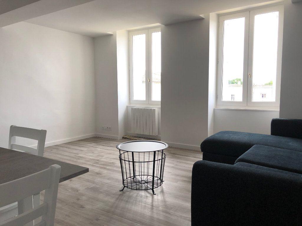 Appartement à louer 1 35m2 à Créon vignette-1