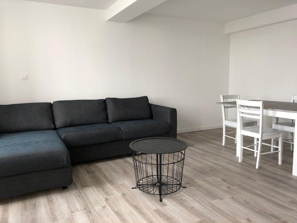 Appartement à louer 1 35m2 à Créon vignette-2