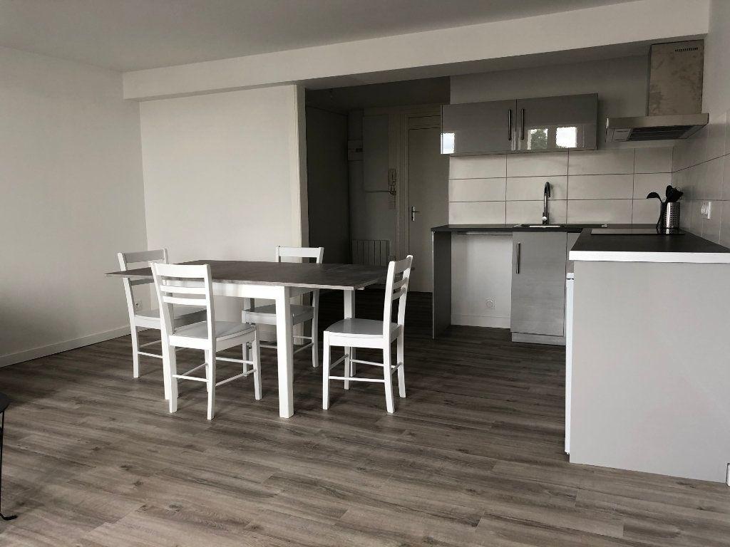 Appartement à louer 1 35m2 à Créon vignette-3