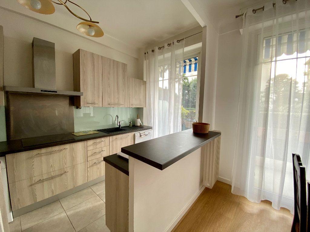 Appartement à louer 3 74.05m2 à Nice vignette-3
