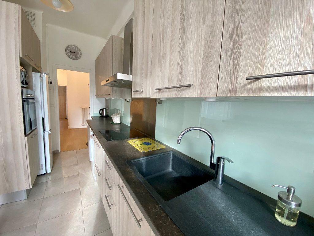Appartement à louer 3 74.05m2 à Nice vignette-4