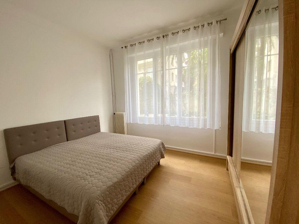 Appartement à louer 3 74.05m2 à Nice vignette-8