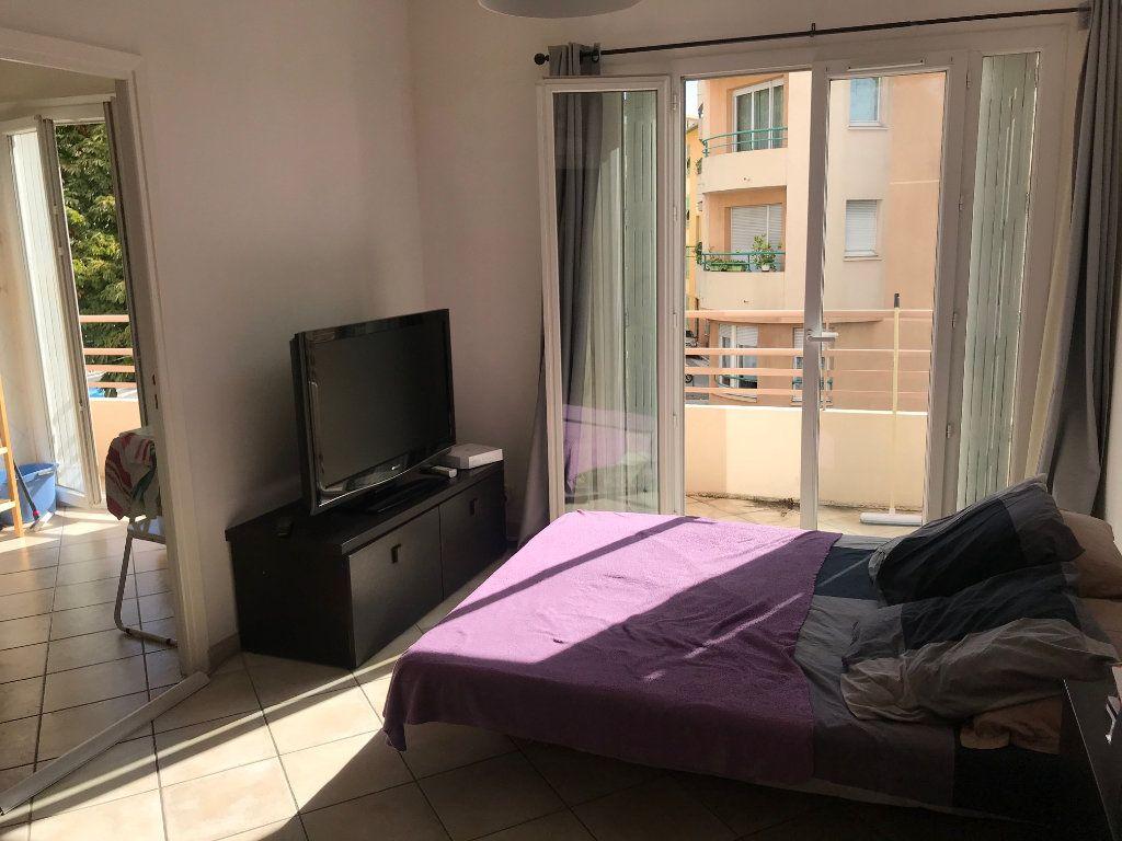 Appartement à louer 1 34.24m2 à Nice vignette-1
