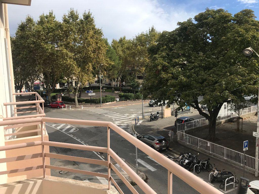 Appartement à louer 1 34.24m2 à Nice vignette-3