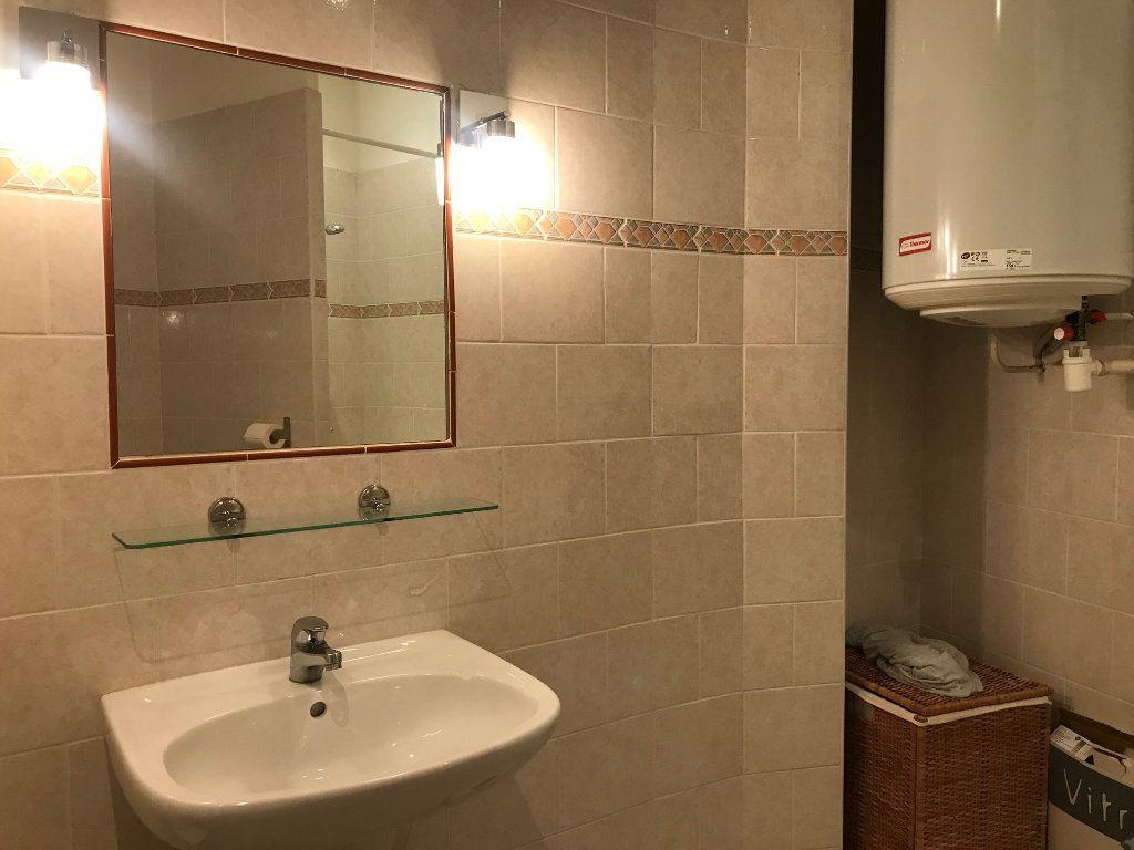 Appartement à louer 1 34.24m2 à Nice vignette-4