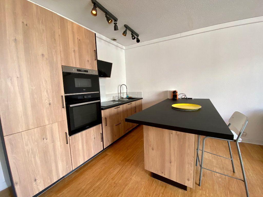 Appartement à louer 2 44.37m2 à Nice vignette-2