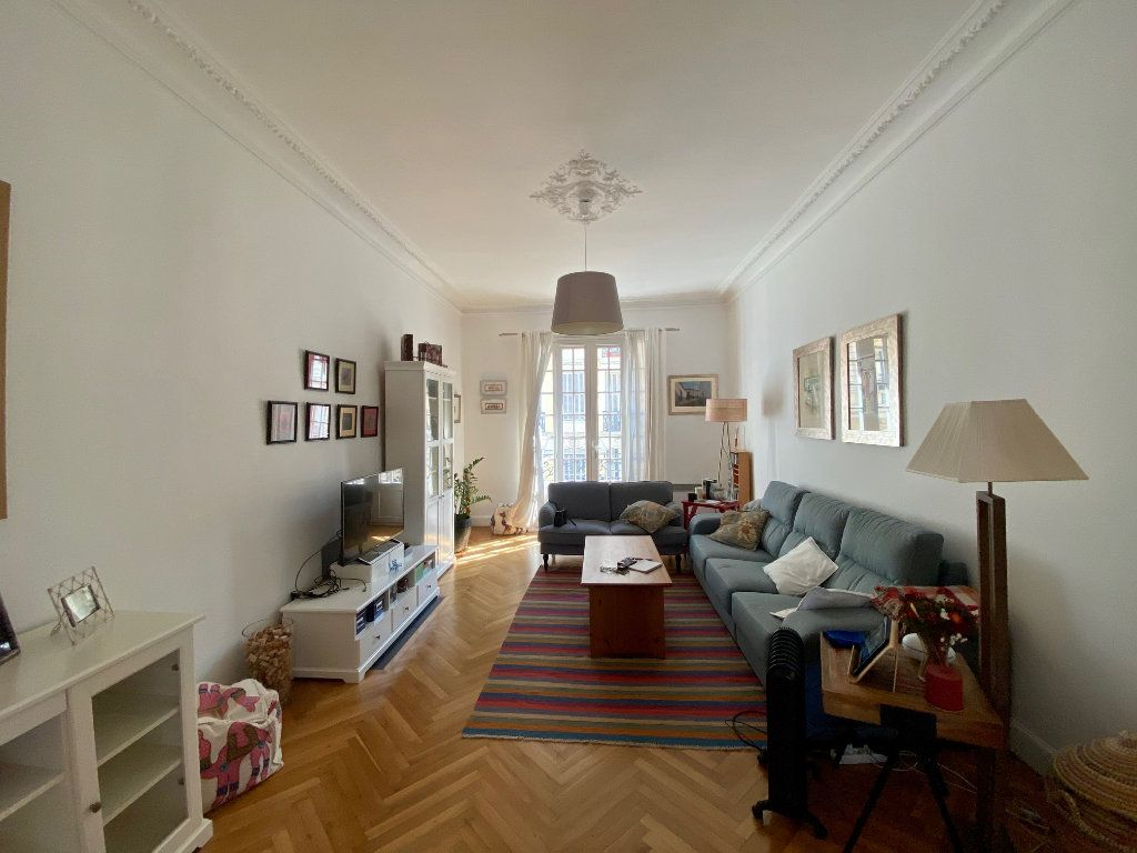 Appartement à louer 3 102.34m2 à Nice vignette-3