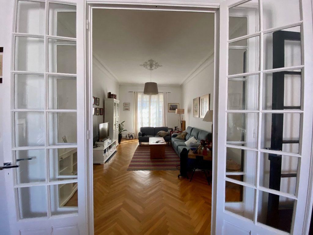 Appartement à louer 3 102.34m2 à Nice vignette-4