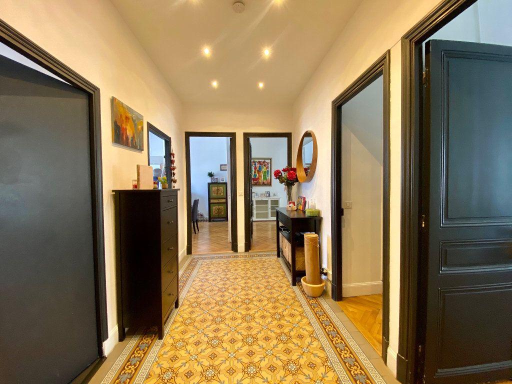 Appartement à louer 3 102.34m2 à Nice vignette-6