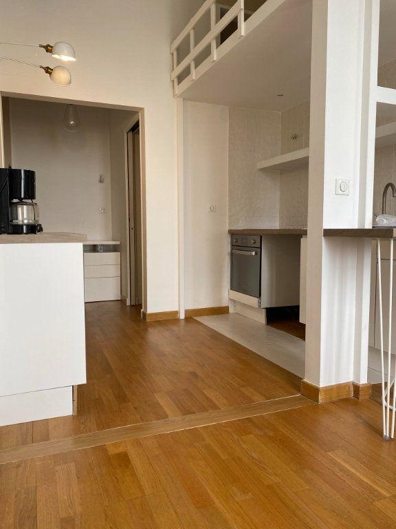 Appartement à louer 1 22.95m2 à Nice vignette-2