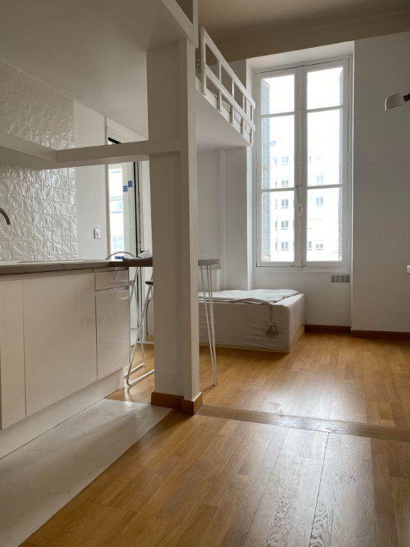 Appartement à louer 1 22.95m2 à Nice vignette-3