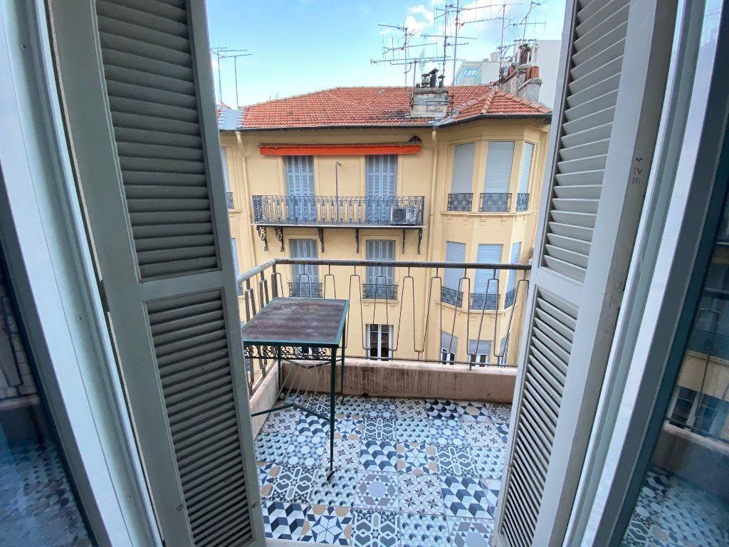 Appartement à louer 2 42.49m2 à Nice vignette-4