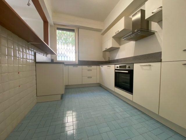 Appartement à louer 2 50.87m2 à Nice vignette-1