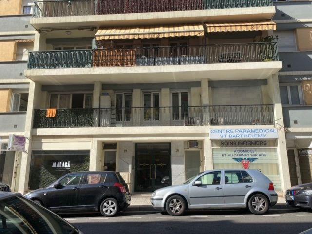 Appartement à louer 2 50.87m2 à Nice vignette-2