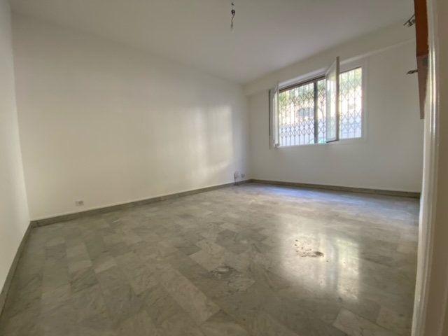 Appartement à louer 2 50.87m2 à Nice vignette-3