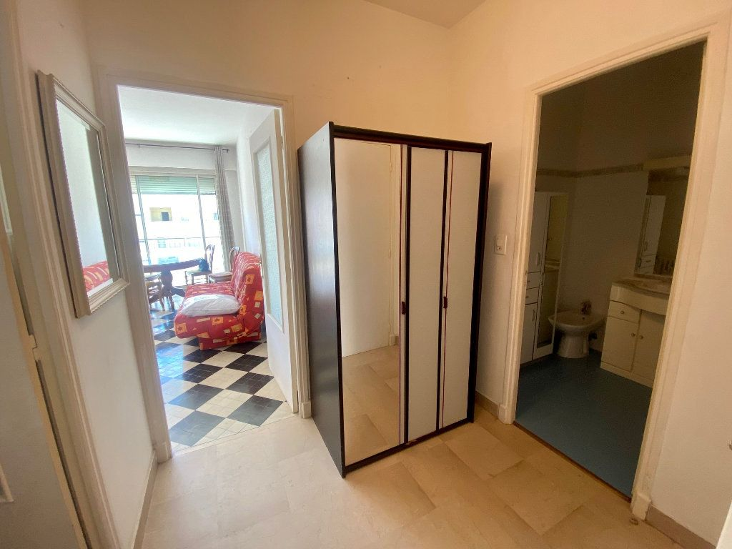 Appartement à louer 1 34.57m2 à Nice vignette-4