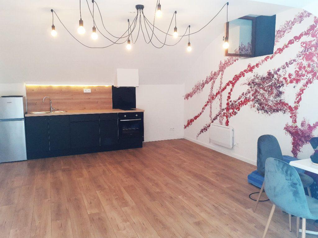 Appartement à louer 3 74.15m2 à Nice vignette-8
