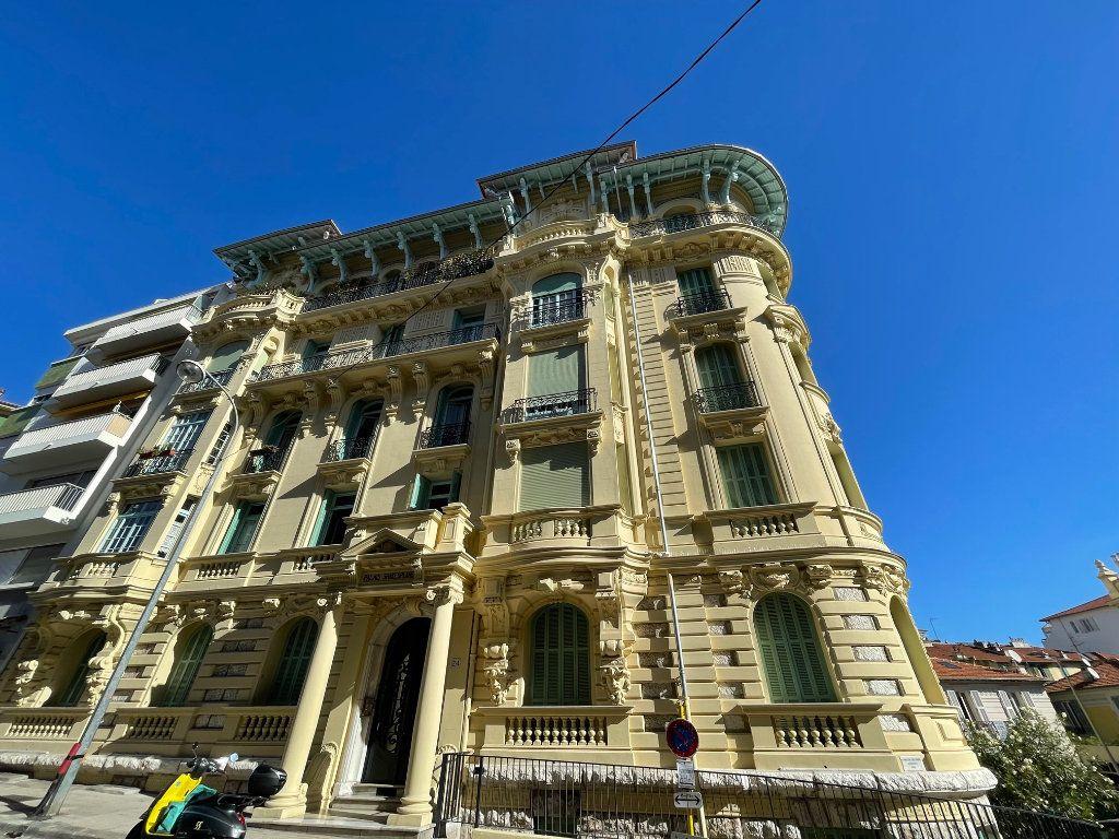 Appartement à louer 4 95.55m2 à Nice vignette-1