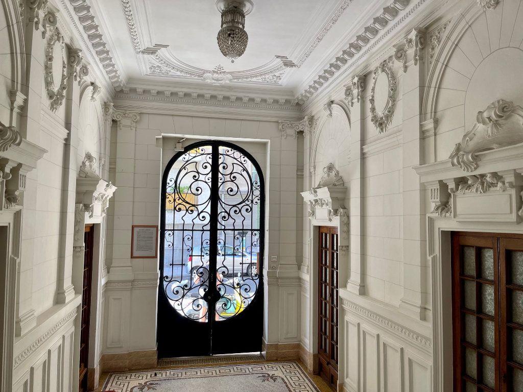 Appartement à louer 4 95.55m2 à Nice vignette-2