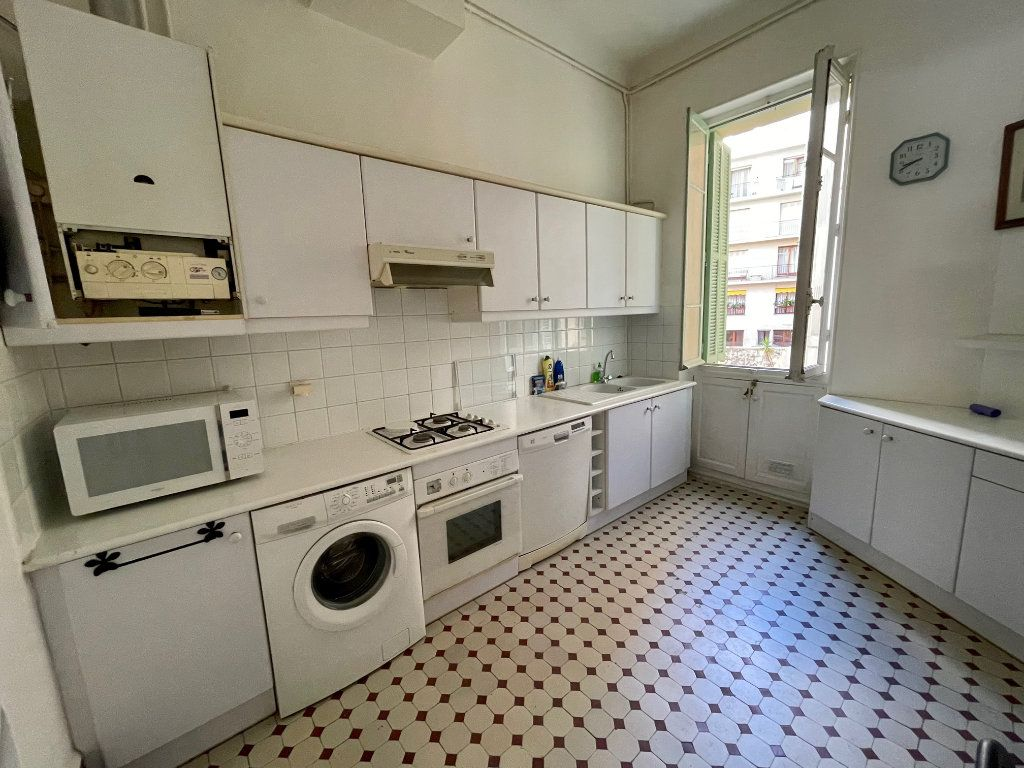 Appartement à louer 4 95.55m2 à Nice vignette-5