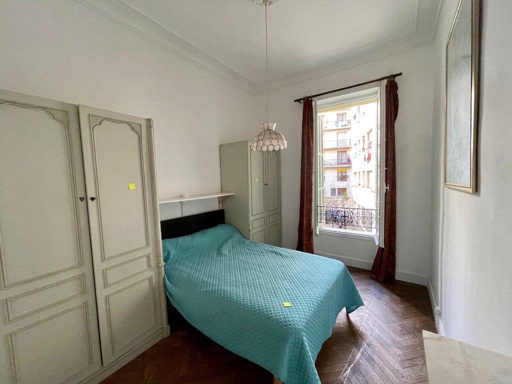 Appartement à louer 4 95.55m2 à Nice vignette-7