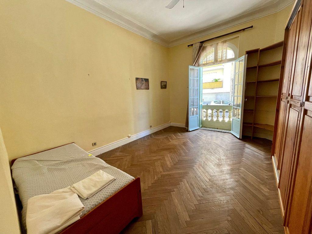 Appartement à louer 4 95.55m2 à Nice vignette-8