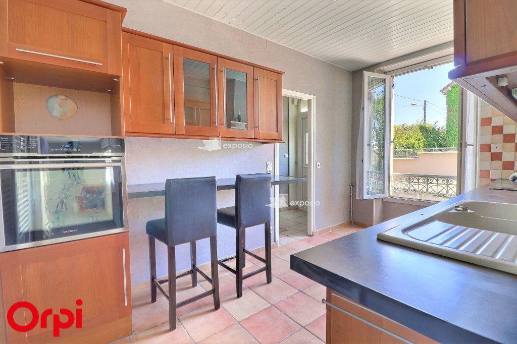Maison à vendre 6 126m2 à Cesson vignette-3