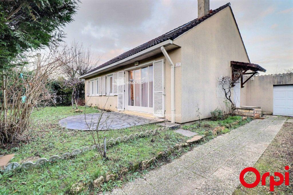 Maison à vendre 5 128m2 à Savigny-le-Temple vignette-1