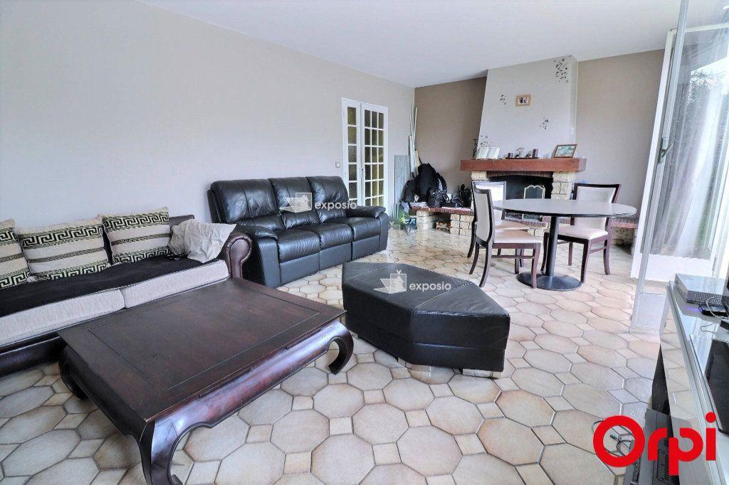 Maison à vendre 5 128m2 à Savigny-le-Temple vignette-3