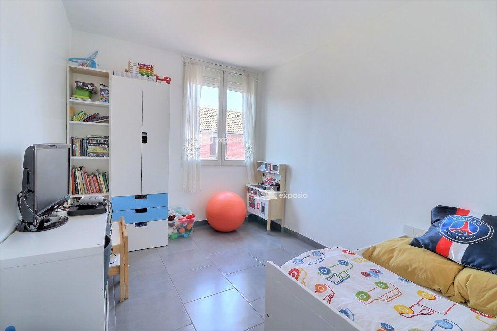 Appartement à vendre 4 80.33m2 à Courcouronnes vignette-6