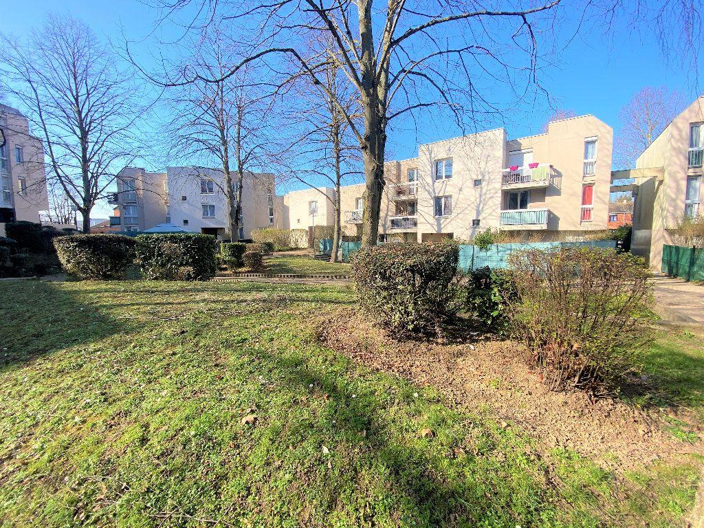 Appartement à vendre 4 80.33m2 à Courcouronnes vignette-7