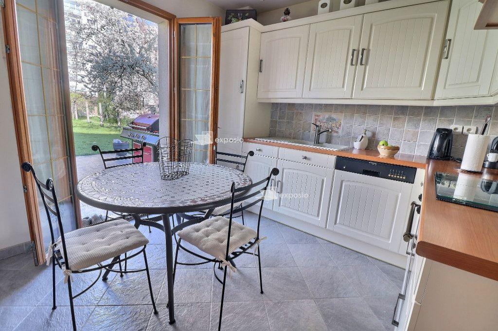 Maison à vendre 5 110m2 à Le Mée-sur-Seine vignette-6