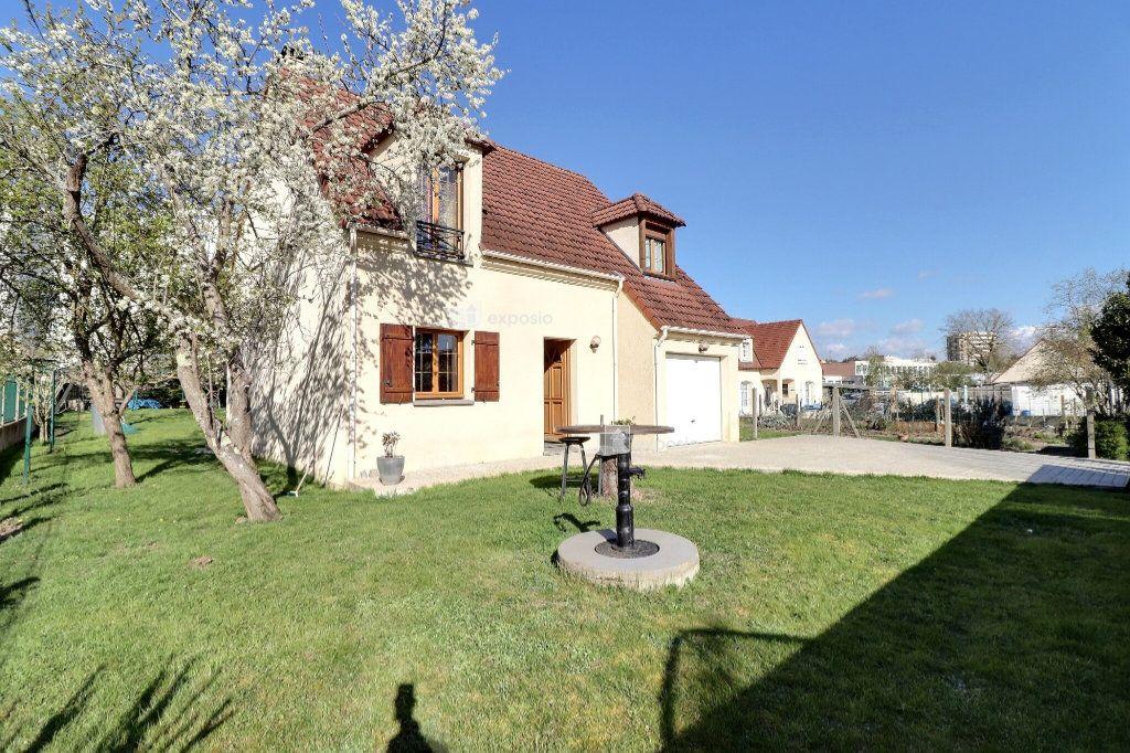 Maison à vendre 5 110m2 à Le Mée-sur-Seine vignette-11