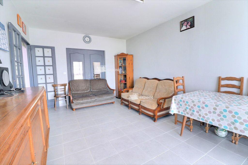 Appartement à vendre 4 85.88m2 à Champigny-sur-Marne vignette-2