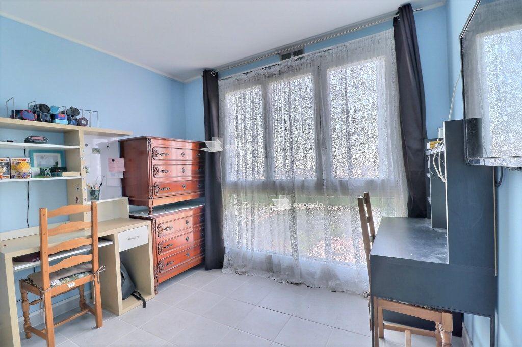 Appartement à vendre 4 85.88m2 à Champigny-sur-Marne vignette-4