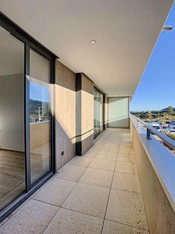 Appartement à vendre 3 86.7m2 à Porto-Vecchio vignette-4