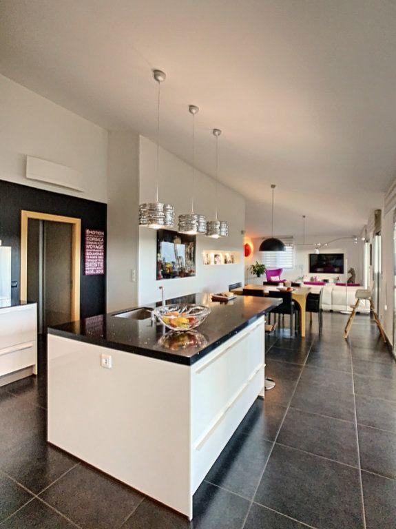 Appartement à vendre 4 138.67m2 à Porto-Vecchio vignette-2