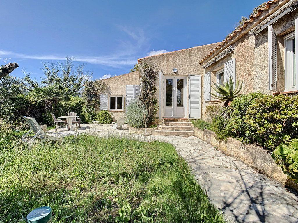 Maison à vendre 4 134m2 à Figari vignette-2