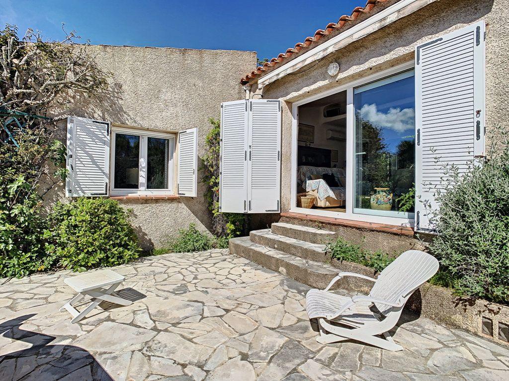 Maison à vendre 4 134m2 à Figari vignette-3