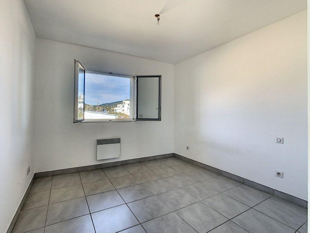 Appartement à vendre 2 49m2 à Porto-Vecchio vignette-4