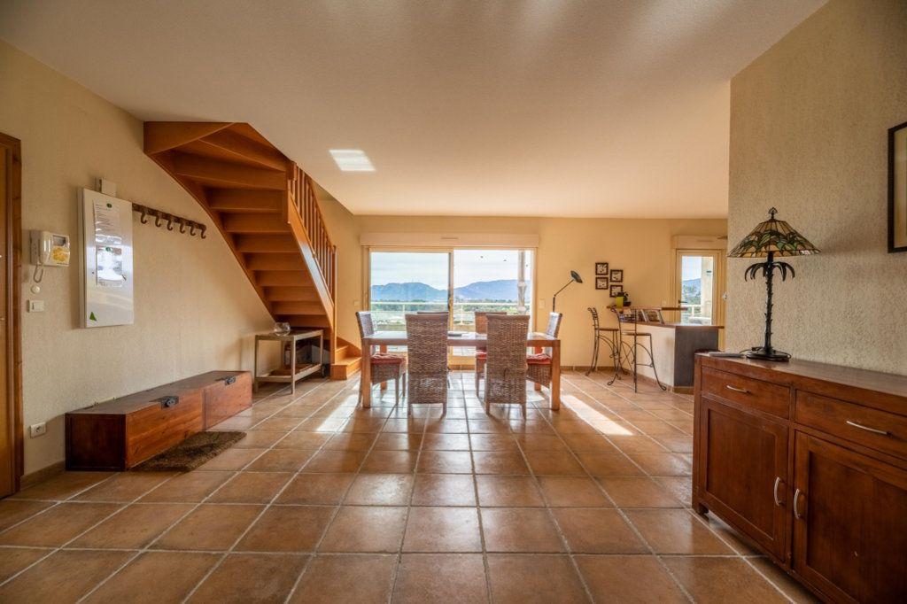Appartement à vendre 4 146.8m2 à Porto-Vecchio vignette-1