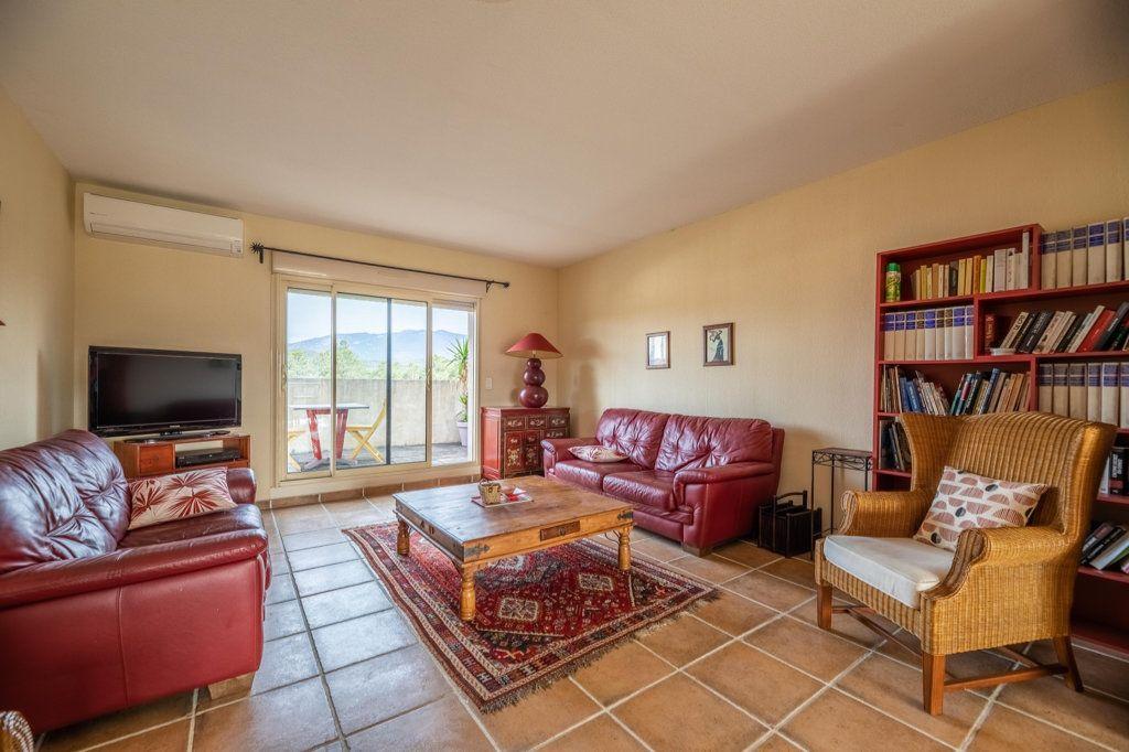 Appartement à vendre 4 146.8m2 à Porto-Vecchio vignette-3