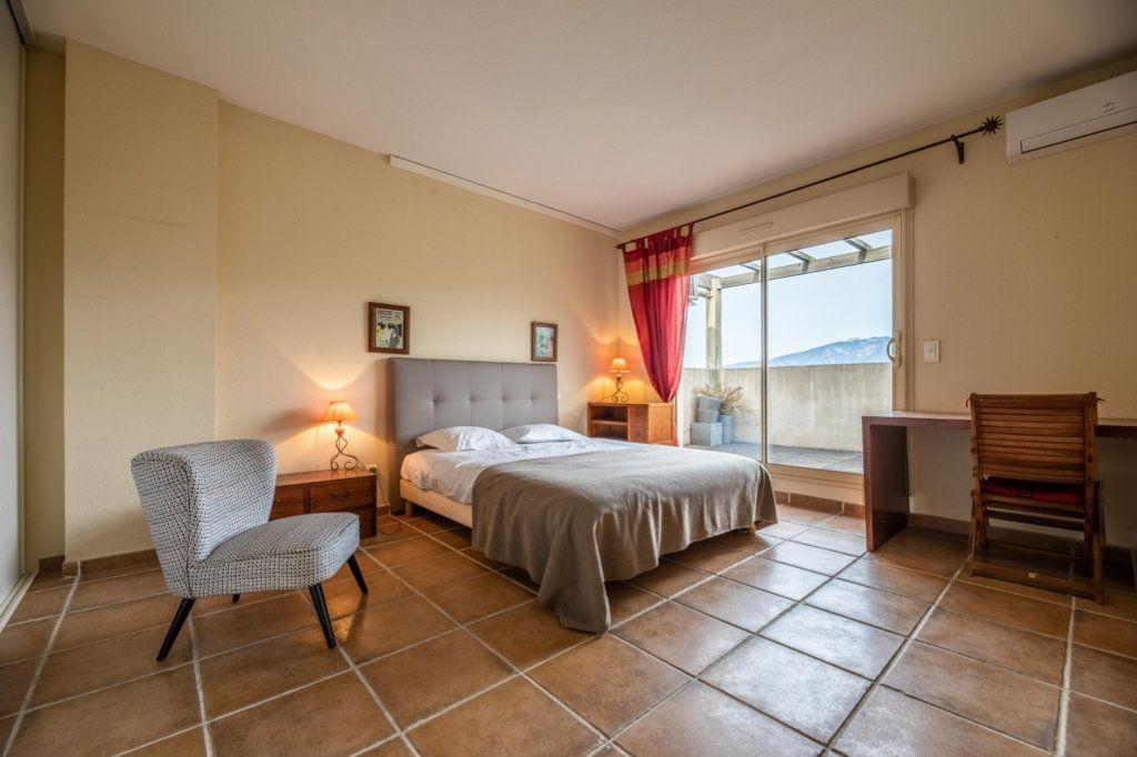 Appartement à vendre 4 146.8m2 à Porto-Vecchio vignette-7